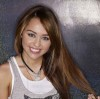 Miley Cyrus latest December 2009 Photoshoot in Casual Wear 5