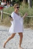 Hayden Panettiere picture as she walks straight to the South Beach after she arrived in Miami on December 31st 2009 2