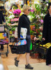 Renee Zellweger spotted on April 11th 2010 as she does some grocery shopping at Ralph 3