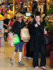 Renee Zellweger spotted on April 11th 2010 as she does some grocery shopping at Ralph 2