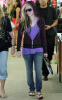 Avril Lavigne picture taken on August 11th 2009 while out shopping in West Hollywood 3