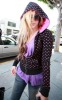 Avril Lavigne picture taken on August 11th 2009 while out shopping in West Hollywood 2